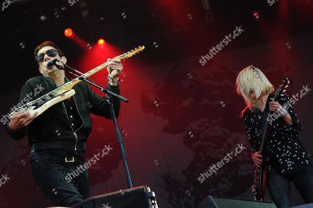 Jamie Hince (l) and Alison Mosshart of the Us-english Band the Kills Perform During a Concert at the 25th Annual Les Vieilles Charrues Festival in Carhaix France 14 July 2016 the Music Festival Runs From 14 to 17 July France Carhaix