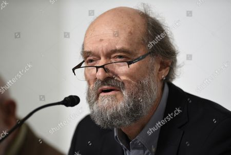 Estonian-born Composer Arvo Part Attends a Press Conference For the 26th Praemium Imperiale in Tokyo Japan 14 October 2014 the Praemium Imperiale is a Global Arts Prize Awarded Annually by the Japan Art Association Five Laureates Are Nominated in the Fields of Painting Sculpture Architecture Music and Theatre/film For Its 26th Edition the Praemium Imperiale Awards Have Been Given to French Painter Martial Raysse Italian Sculptor Giuseppe Penone Us Architect Steven Holl South African Playwright Athol Fugard and Estonian-born Composer Arvo Part Japan Tokyo