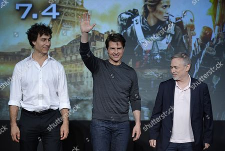 Us Actor and Cast Member Tom Cruise (c) Waves with Film Director Doug Liman (l) and Producer Erwin Stoff During a Press Conference Promoting Their Latest Movie 'Edge of Tomorrow' in Tokyo Japan 27 June 2014 Edge of Tomorrow Will Be Screened Across Japan From 04 July the Movie is Based on the Science Fiction Novel 'All You Need is Kill' by Japanese Writer Hiroshi Sakurazaka Japan Tokyo