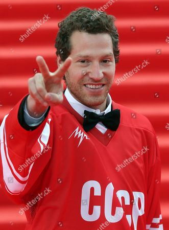 Us Director of the Movie 'Red Army' Gabriel Polsky Dressed in a Hockey Jersey Reading 'Ussr' Gestures on the Red Carpet During the Opening Ceremony of the 36th Moscow International Film Festival in Moscow Russia 19 June 2014 the 36th Moscow Film Festival Opens with the Film 'Red Army' a Documentary About the Great 1980s Russian Cska Hockey Team the Event Will Run From 19 to 28 June Russian Federation Moscow