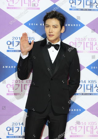 South Korean Actor Ji Chang-wook Arrives For the 2014 Annual Kbs Drama Awards at the Youido Kbs Hall in Seoul South Korea 31 December 2014 the Korean Broadcasting System (kbs) Drama Awards Ceremony Gives a Prize to Actors and Actresses who Have Starred in Dramas Aired on Kbs Networks These Awards Started in 1987 and Have Been Presented Ever Since Korea, Rebublic of Seoul