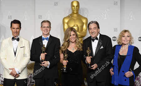 Filmmakers Chris Buck (2-l) Jennifer Lee (c) and Peter Del Vecho (2-r) Hold Their Oscars For Best Animated Feature Film For 'Frozen' While Standing with Us Actor Matthew Mcconaughey (l) and Us Actress Kim Novak (r) in the Press Room During the 86th Annual Academy Awards Ceremony at the Dolby Theatre in Hollywood California Usa 02 March 2014 the Oscars Are Presented For Outstanding Individual Or Collective Efforts in Up to 24 Categories in Filmmaking United States Hollywood