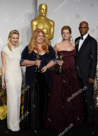 Us Makeup Artists Adruitha Lee (2-l) and Robin Mathews (2-r) Hold Their Awards For Best Achievement in Makeup and Hairstyling For 'Dallas Buyers Club' While Standing with Australian Actress Naomi Watts (l) and Us Actor Samuel L Jackson (r) in the Press Room During the 86th Annual Academy Awards Ceremony at the Dolby Theatre in Hollywood California Usa 02 March 2014 the Oscars Are Presented For Outstanding Individual Or Collective Efforts in Up to 24 Categories in Filmmaking United States Hollywood