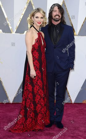 Dave Grohl (r) and Jordyn Blum Arrive For the 88th Annual Academy Awards Ceremony at the Dolby Theatre in Hollywood California Usa 28 February 2016 the Oscars Are Presented For Outstanding Individual Or Collective Efforts in 24 Categories in Filmmaking United States Hollywood