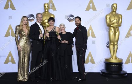 Presenters Margot Robbie (l) and Jared Leto (r) Pose Next to Damian Martin (2-l) Elka Wardega (c) and Lesley Vanderwalt (2-r) As They Hold the Oscar For Makeup and Hairstyling For 'Mad Max: Fury Road' in the Press Room During the 88th Annual Academy Awards Ceremony at the Dolby Theatre in Hollywood California Usa 28 February 2016 Epa/paul Buck United States Hollywood