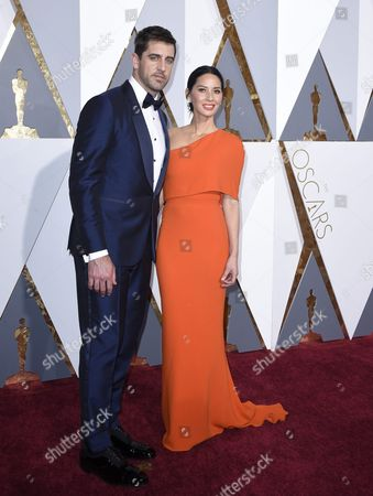 Olivia Munn (r) and Aaron Rogers (l) Arrive For the 88th Annual Academy Awards Ceremony at the Dolby Theatre in Hollywood California Usa 28 February 2016 the Oscars Are Presented For Outstanding Individual Or Collective Efforts in 24 Categories in Filmmaking United States Hollywood