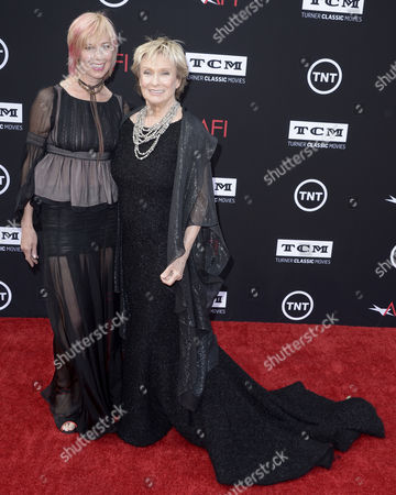 Us Actress Cloris Leachman (r) and Daughter Dinah Englund (l) Arrive For the American Film Institute Life Achievement Award Gala Honoring Us Actor Director and Writer Mel Brooks at the Dolby Theatre California Usa 06 June 2013 Mel Brooks was Awarded the 41st Life Achievement Award For His Mastery in the Motion Picture Industry United States Hollywood