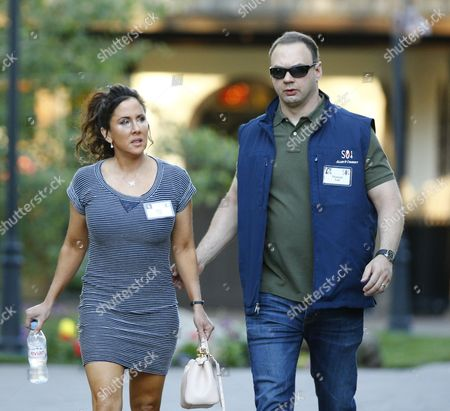 Thomas Tull Chief Executive Officer of Legendary Pictures (r) with Alba Tull (l) at the Allen and Company 32nd Annual Media and Technology Conference in Sun Valley Idaho Usa 10 July 2014 the Event Brings Together the Leaders of the World's of Media Technology Sports Industry and Politics United States Sun Valley