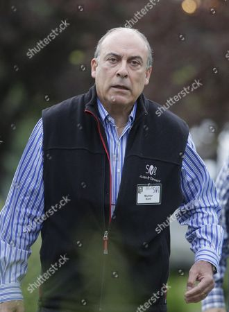 Muhtar Kent Chairman and Chief Executive Officer of the Coca-cola Company Arrives For Allen and Company 33rd Annual Media and Technology Conference in Sun Valley Idaho Usa 08 July 2015 the Event Brings Together the Leaders of the World's of Media Technology Sports Industry and Politics United States Sun Valley