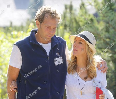 Jesse Itzler Co-founder of Marquis Jet and His Wife Sara Blakely During a Break at the Allen and Company 33rd Annual Media and Technology Conference in Sun Valley Idaho Usa 08 July 2015 the Event Brings Together the Leaders of the World's of Media Technology Sports Industry and Politics United States Sun Valley