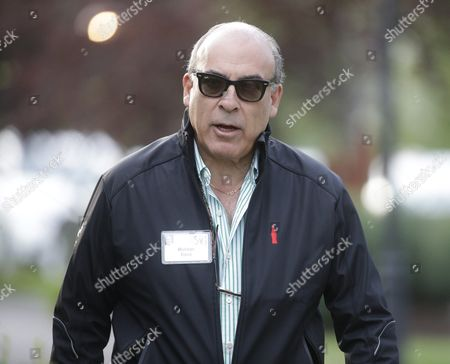 Muhtar Kent Ceo and Chairman of Coca-cola Arrives For the Allen and Company 33rd Annual Media and Technology Conference in Sun Valley Idaho Usa 10 July 2015 the Event Brings Together the Leaders of the World's of Media Technology Sports Industry and Politics United States Sun Valley
