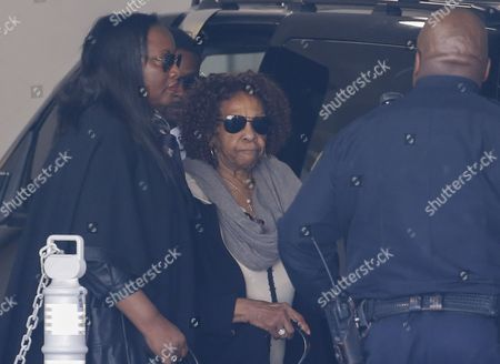 Cissy Houston (c) Mother of the Late Us Singer Whitney Houston Arrives to Visit Her Granddaughter Bobbi Kristina Brown at Emory University Hospital in Atlanta Georgia Usa 11 February 2015 Bobbi Kristina Brown the Daughter of Singers Whitney Houston and Bobby Brown was Face Down and Unresponsive in a Water-filled Bathtub at Her Home in Roswell Georgia on 31 January 2015 Whitney Houston was Found Dead in a Bathtub on 11 February 2012 United States Atlanta