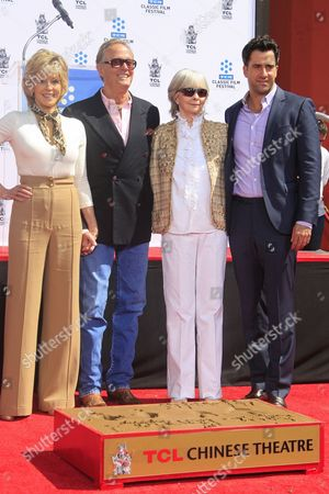 Us Actress Jane Fonda (l) with Her Brother Actor Peter Fonda (2-l) Shirlee Mae Adams (2-r) and Son Troy Garity at Her Hand and Footprints Ceremony Outside Tcl Chinese Theatre in Hollywood California Usa 27 April 2013 Fonda Joins a Select Group of Industry Luminaries who Have Been Honoured by Having Their Hand and Footprints Encased in Cement Panels That Pave the Forecourt of the Historic Theatre Her Prints Will Be Next to Those of Her Father Henry Fonda United States Hollywood