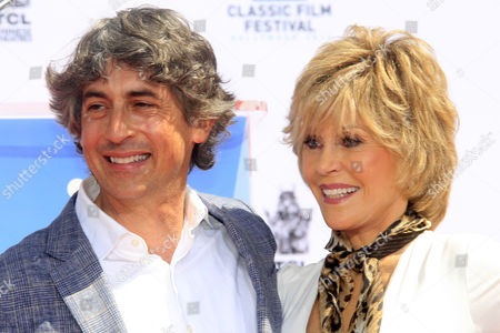 Us Actress Jane Fonda (r) with Director Alexander Payne (l) at Her Hand and Footprints Ceremony Outside the Tcl Chinese Theatre in Hollywood California Usa 27 April 2013 Fonda Joins a Select Group of Industry Luminaries who Have Been Honoured by Having Their Hand and Footprints Encased in Cement Panels That Pave the Forecourt of the Historic Theatre Her Prints Will Be Next to Those of Her Father Henry Fonda United States Hollywood