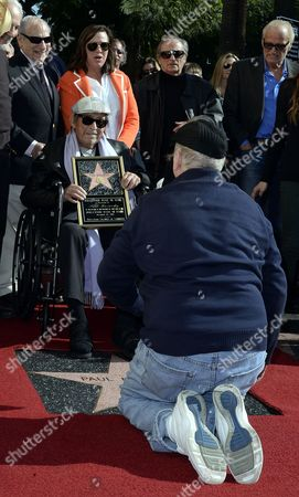 Us Actor Richard Dreyfuss (r) Kneels in Front of Us Actor/director Paul Mazursky (l) During Mazursky's Star Ceremony on the Hollywood Walk of Fame in Hollywood California Usa 13 December 2013 It is the 2 515th Star on Hollywood Boulevard United States Hollywood