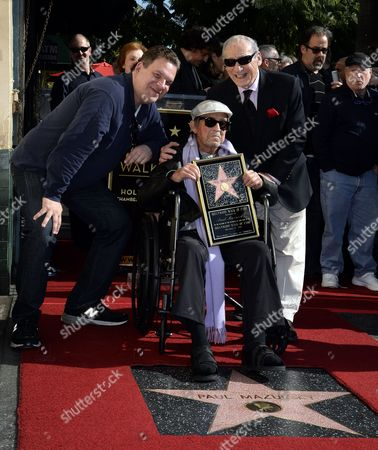 Us Comedians Jeff Garlin (l) and Mel Brooks (r) Pose with Us Actor/director Paul Mazursky During a Ceremony Honoring Him with a Star on the Hollywood Walk of Fame in Hollywood California Usa 13 December 2013 United States Hollywood