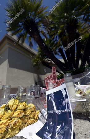 A Shrine For Dead Canadian Actor Cory Monteith is Created Outside the Gates of Paramount Pictures in Los Angeles California Usa 17 July 2013 Monteith who Starred in the Television Show 'Glee' Died of Mixed Drug Toxicity a Combination of Heroin and Alcohol United States Los Angeles