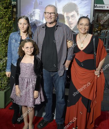 Us Actor Ed O'neill (c) His Wife Catherine Rusoff (r) and Their Daughters Sophia and Claire (l) Arrive For the Vip Press Preview of the Vip Press Preview of the 'The Wizarding World of Harry Potter' Adventure Ride at Universal Studios in Hollywood California Usa 05 April 2016 the New Complex Includes a Replica of Hogwarts Castle the Village the Signature Ride 'Harry Potter and the Forbidden Journey' and Will Open to the Public 07 April 2016 United States Hollywood
