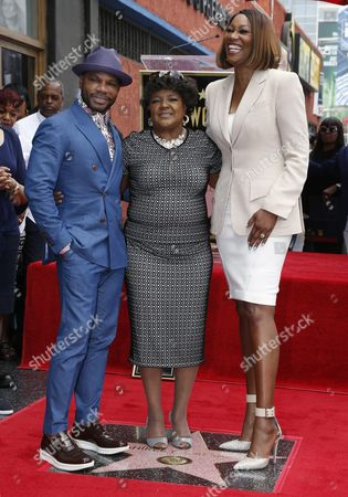 Stock Image of Us Singer Shirley Caesar (c) is Joined by Us Singer Kirk Franklin (l) and Us Singer Yolanda Adams (r) to Pose with Caesar's Star on the Hollywood Walk of Fame During Ceremony in Hollywood California Usa 28 June 2016 Caesar Received the 2 583rd Star on the Walk of Fame in the Category of Recording United States Hollywood