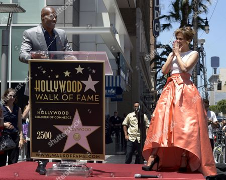 Us Actress Singer Jennifer Lopez (r) Laughs As Us Actor Keenan Ivory Wayans (l) Speaks During Lopez' Star Ceremony on the Hollywood Walk of Fame in Hollywood California Usa 20 June 2013 Lopez was Awarded the 2 500th Star on the Hollywood Walk of Fame in the Category of Recording United States Hollywood