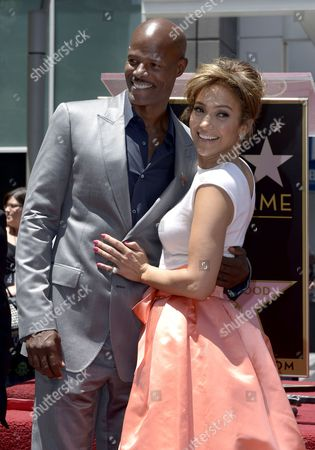 Us Actress Singer Jennifer Lopez (r) and Us Actor Keenan Ivory Wayans (l) Embrace During Lopez' Star Ceremony on the Hollywood Walk of Fame in Hollywood California Usa 20 June 2013 Lopez was Awarded the 2 500th Star on the Hollywood Walk of Fame in the Category of Recording United States Hollywood