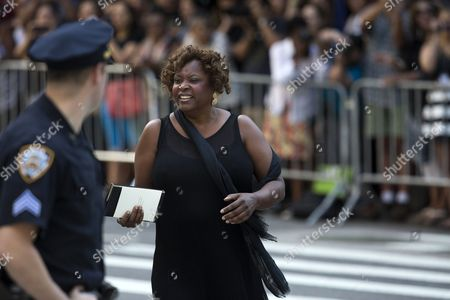 Us Radio Personality Robin Quivers Departs the Funeral of Us Comedienne Joan Rivers at Temple Emanu-el in New York New York Usa 07 September 2014 Rivers Died at the Age of 81 on 04 September United States New York