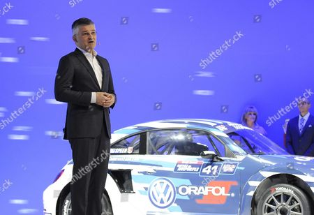Michael Horn Volkswagen President and Ceo Volkswagen Group of America Speaks to Media About Recent Findings Involving Diesel Vw Vehicles at the 2015 Los Angeles Auto Show in Los Angeles California Usa 18 November 2015 the Auto Show Will Be Open to the Public From 20-29 November United States Los Angeles