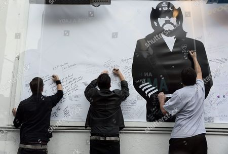 Fans of British Metal Band Motorhead Sign a Giant Memorial to Lemmy at the Rainbow Bar and Grill in Hollywood California Usa 09 January 2016 the Rainbow Purportedly Lemmy's Favorite Bar Allowed Fans to Come in and Celebrate the Rocker's Life United States Hollywood