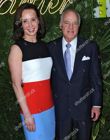 Canadian-born Economist and Philanthropist Marie-josee Kravis (l) and Her Husband Us Businessman Henry Kravis Co-founder of Kkr and Co Arrive at the Museum of Modern Art's Party in the Garden in New York New York Usa 21 May 2013 the Museum of Modern Art's Party in the Garden is a Benefit Event in Honor of Mayor Michael R Bloomberg and the City of New York and Us Artists Ellsworth Kelly and Cindy Sherman in Recognition of Their Support of Moma United States New York