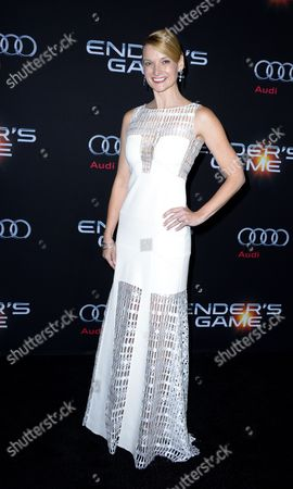 Us Actress and Cast Member Andrea Powell Arrives For the Premiere of the Movie 'Ender's Game' at the Tcl Chinese Theatre in Hollywood California Usa 28 October 2013 United States Hollywood