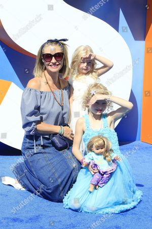Us Actress Rebecca Gayheart Arrives with Daughters Georgia Dane (c) and Billie Dane (r) For the World Premiere of Storks at the Regency Village Theater in Westwood Los Angeles California Usa 17 September 2016 the Movie Opens in the Us on 23 September 2016 United States Los Angeles