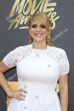 Molly Tarlov Arrives For the 2016 Mtv Movie Awards at the Warner Brothers Studios in Burbank California Usa 09 April 2016 the Movies Are Nominated by Producers and Executives From Mtv and the Winners Are Chosen Online by the General Public United States Burbank