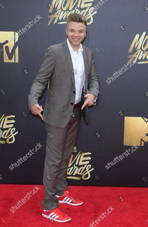 Brett Davern Arrives For the 2016 Mtv Movie Awards at the Warner Brothers Studios in Burbank California Usa 09 April 2016 the Movies Are Nominated by Producers and Executives From Mtv and the Winners Are Chosen Online by the General Public United States Burbank