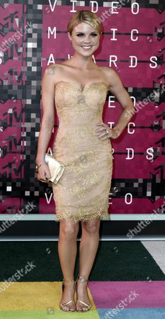 Actress and Dancer Bailey De Young Arrives on the Red Carpet For the 32nd Mtv Video Music Awards at the Microsoft Theater in Los Angeles California Usa 30 August 2015 United States Los Angeles