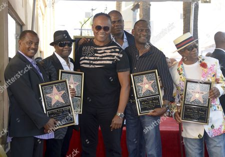 Us Musical Group Kool & the Gang and Us Musician Ray Parker Jr (3l) Pose with Them on Their Star After Being Honored on the Hollywood Walk of Fame in Hollywood California Usa 08 October 2015 Kool & the Gang with Such Hits As 'Celebration' and 'Get Down on It' Received the 2 560th Recording Artist Star on the Famous Boulevard From L to R: Robert 'Kool' Bell Ronald Khalis Bell Parker Unidentified Person George Brown and Dennis 'Dt' Thomas United States Hollywood