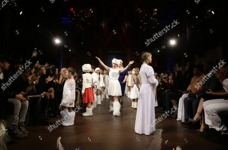Australian Model Madeline Stuart (c) who Has Down's Syndrome Presents Creations with Other Young Models From the Fall 2016 Collection by Ftl Moda During the New York Fall Fashion Week in New York New York Usa 15 February 2016 the Fall 2016 Collections Are Presented From 11 to 18 February United States New York