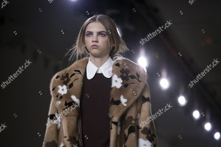 Us Model Molly Bair Presents a Creation by Us Designer Michael Kors at the New York Fall Fashion Week in New York New York Usa 17 February 2016 the Fall 2016 Collections Are Presented From 11 to 18 February United States New York