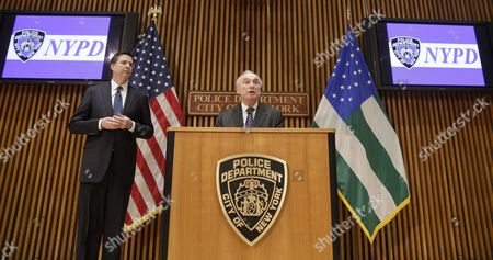 New York City Police Commissioner William J Bratton (r) Speaks to Reporters After Addressing the Nypd Shield Security Conference As Fbi Director James Comey (l) Looks on at Police Headquarters in New York New York Usa 16 December 2015 Shield is an Umbrella Program For a Series of Police Initiatives Relating to Private Sector Security and Counterterrorism United States New York
