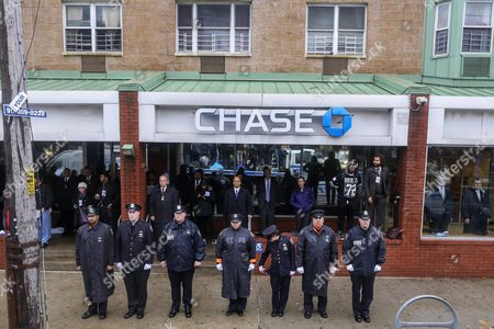 Police Officers and Others Gather Outside the Greater Allen a M E Cathedral and Conference Center For the Funeral of New York Police Department Officer Randolph Holder in the Jamaica Neighborhood of Queens New York Usa 28 October 2015 Holder 33 a Native of Guyana was Shot and Killed While Chasing a Suspect in the East Harlem Area of Manhattan United States Queens