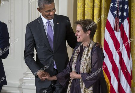Us President Barack Obama (l) Presents a 2014 National Humanities Medal to Alice Waters (r) For Celebrating the Bond Between the Ethical and the Edible in the East Room of the White House in Washington Dc Usa 10 September 2015 Obama Awarded 21 Arts and Humanities Medals During the Event United States Washington