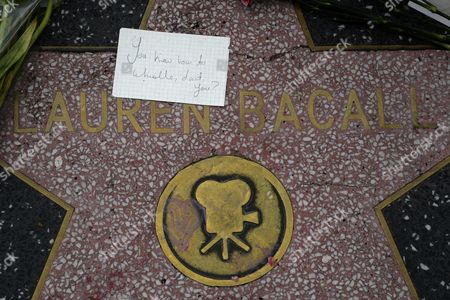 A Note with a Famous Line From the Movie 'To Have and Have Not' That Reads 'You Know How to Whistle Don't You?' is Placed on the Hollywood Walk of Fame Sta For Us Actress Lauren Bacall in Hollywood California Usa 13 August 2014 the Actress who was Married to the Late Humphrey Bogart and was Honored with an Oscar 'In Recognition For Her Central Place in the Golden Age of Movie Making' Died of a Stroke 12 August 2014 in New York at the Age of 89 United States Hollywood