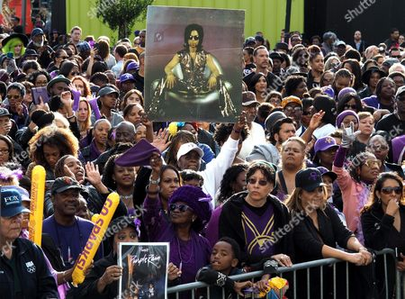 A General View Shows a Crowd in Grand Park where Thousands of Fans Gathered to Celebrate the Life of the Late Us Entertainment Legend Prince in Los Angeles California Usa 06 May 2016 Prince Whose Full Name was Prince Rogers Nelson Died at the Age of 57 at His Home in Paisley Park Minnesota on 21 April 2016 United States Los Angeles