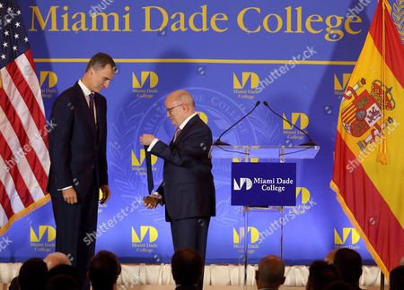 Spanish King Felipe Vi (l) Receives the Miami Dade College Presidential Medal From Dr Eduardo Padron Mdc President During the Inaugural Master Lecture For the 2015-16 Academic Year at the Freedom Tower at Miami Dade College in Miami Florida Usa 17 September 2015 Nearly 1 000 People Attended the Conference Including Hundreds of Mdc Students and Faculty As Well As South Florida Community and Business Leaders the King is Joined by Her Majesty the Queen Letizia United States Miami