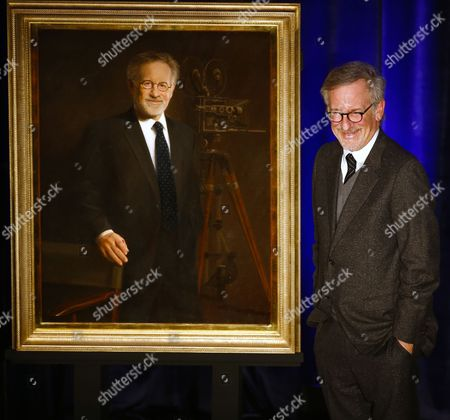 Us Film Director Steven Spielberg (r) Poses with His Portrait Following His Presentation of the Abraham Lincoln Presidential Library Foundation Lincoln Leadership Prize by Us Actress Sally Field For His Lifetime of Service in the Spirit of the 16th President at the Hilton Hotel in Chicago Illinois Usa 19 March 2014 Spielberg Directed the 2012 Film 'Lincoln' Which Starred Sally Field As Mary Todd Lincoln United States Chicago