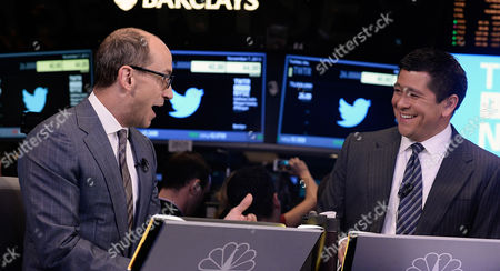 Richard 'Dick' Costolo (l) Chief Executive Officer of Twitter Inc Talks with Cnbc Television Anchor Carl Quintanilla (r) at the New York Stock Exchange in New York New York Usa 07 November 2013 Shares in the Company Twitter (twtr) Began Trading on the Nyse at a Price of 26 Us Dollars (19 23 Euro) at the Start of Twitter's Highly Anticipated Initial Public Offering (ipo) United States New York