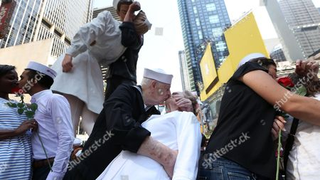 Editorial image of Usa Vj Day Kiss in - Aug 2015