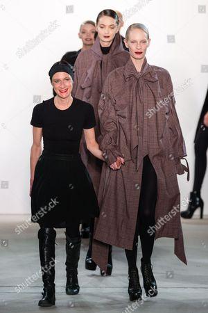 Isabel Vollrath and Medea Paffenholz on catwalk