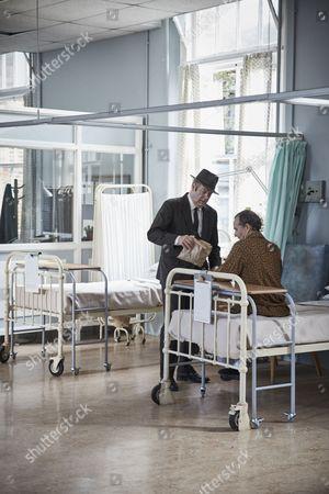 ENDEAVOUR (Series 4, Episode 3) - Anton Lesser as Chief Supt Reginakld Bright and Roger Allam as DI Thursday.