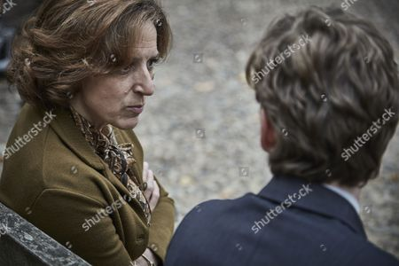 ENDEAVOUR (Series 4, Episode 4) - Shaun Evans as Endeavour and Abigail Thaw as Dorothea Frazil.