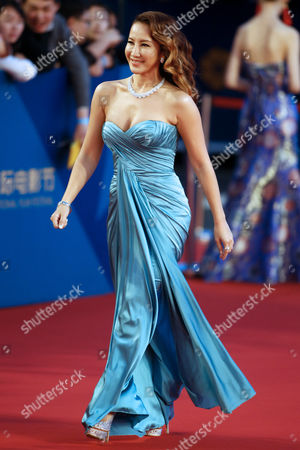 Hong Kong-born Us Singer Coco Lee Arrives on the Red Carpet For the Closing Ceremony of the 5th Beijing International Film Festival in Beijing China 23 April 2015 the Event was Held From 16 to 23 April China Beijing